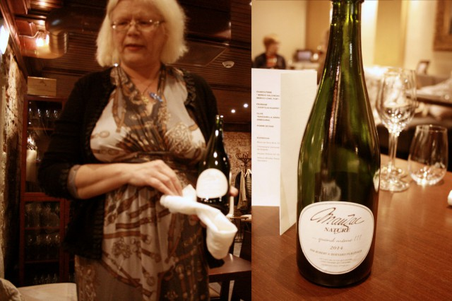 Mari esittelemässä aperitiivinä tarjoiltua Robert & Bernard Plageoles Mauzac Nature 2014.