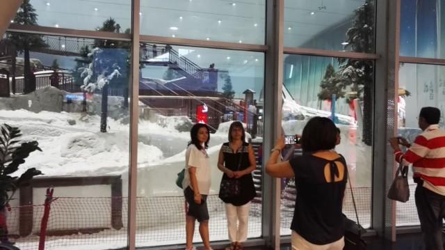 Dubaihin on rakennettu turisteja houkuttelemaan maailman suurin sisälaskettelurinne.