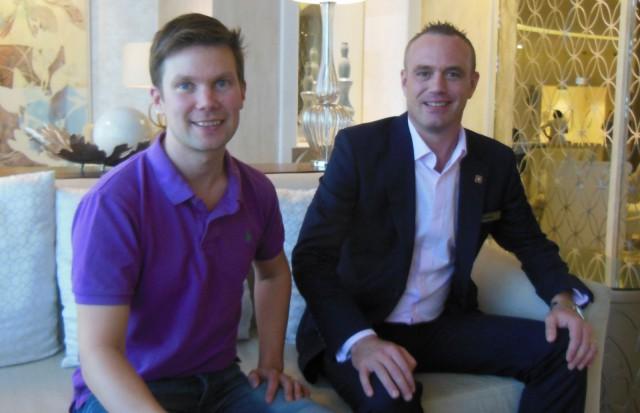 Ilkka Lavas ja hotellinjohtaja Fredrik Reinisch