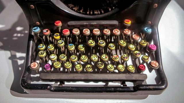 Emoji Keyboard Maya Ben-Ezer's Shift Key
