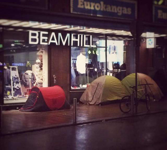 Beamhillin edessä kelpaa telttailla.