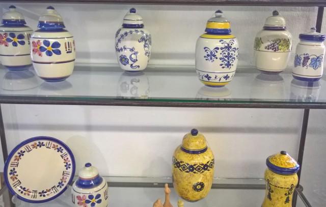 Palmelan koriste-esineitä