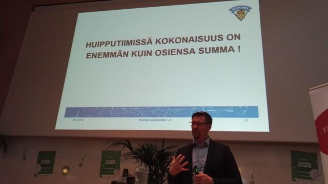Huipputiimissä kokonaisuus on enemmän kuin osiensa summa - Jukka Jalonen, Leijonat, Jääkiekkoliitto