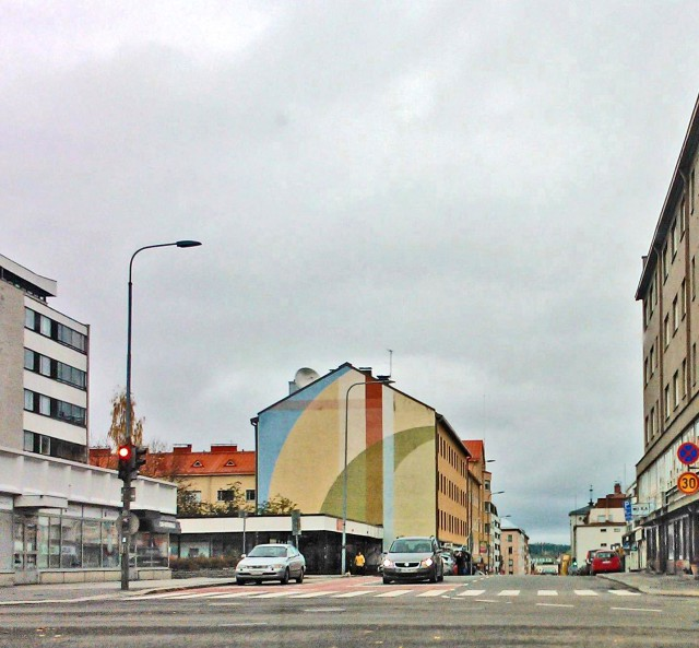 Jysäkylässä talon päätyseinä on maalattu.