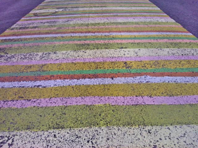 Jyväskylän kävelykadulla on maalattu matto