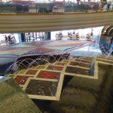 Burj Al Arab. Dubai. Aulan suihkulähteet ja vesitaideteos.