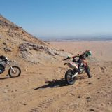 Ennen koko Dubai oli aavikkoa. Moottoripyöräsafarilla Big Red Motorsportsin kanssa.