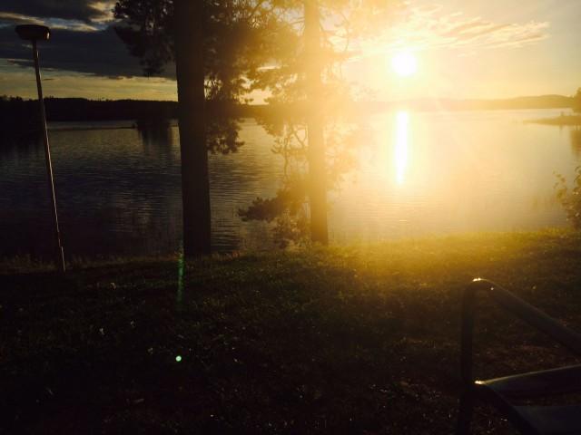 Syyskuun kuulas aurinko.
