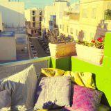 Majoituspaikkamme parvekkeella on hyvä ottaa aurinkoa. The Green House Malta Gzira