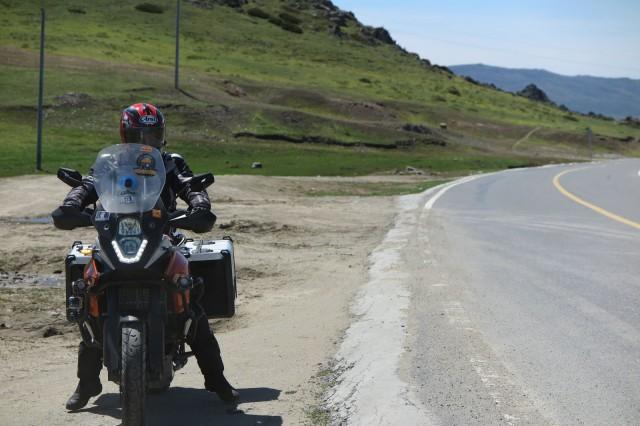 Moottoripyörällä ajaessa taukoja on hyvä pitää, että jaksaa ajaa. Kiina.