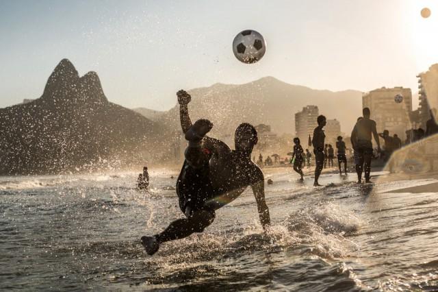 Riossa ikävöidään aikoja, kun kaupunki vielä tunnettiin bikineistä, futiksesta ja biitseistä.