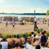 Mene: beach volleyta Kansalaistorilla ja Hietsussa