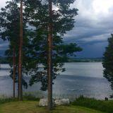 Joskus elämässä tarvitaan myös synkkiä pilviä, sillä ilman niitä tuskin osaisin nauttia valoisuudestakaan.