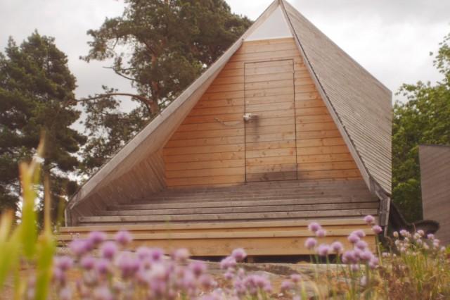 Vuokrattavia saunoja löytyy ainakin Pihlajasaaresta (kuvassa) ja Uunisaaresta.