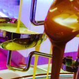 Syntinen suklaaputous
