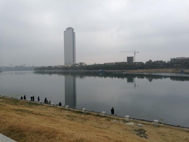 Kalastajia Pohjois-Korean pääkaupungissa, Pyongyangissa