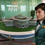 Viimeisen päälle laitetuissa paikoissa saa kuvata. Sci-Tech Center. Pyongyang. Pohjois-Korea.