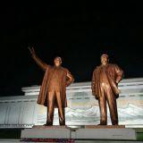 Johtajien patsaita saa kuvata, mutta niissä herrat pitää näkyä kokonaisina. Käsi tai pää ei saa olla leikkaantunut pois.