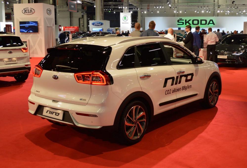 Kia Nirosta ei arvaisi sen olevan hybridi.