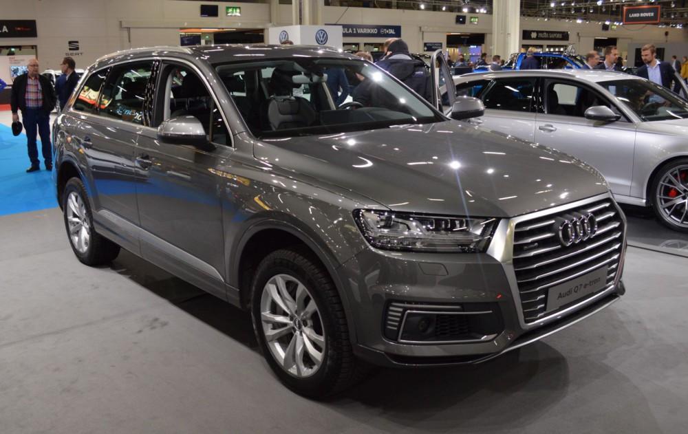 Audi Q7 e-tron -lataushybridi. Nyt myös espoolaiset katumaasturimiehet voivat saada synninpäästön.