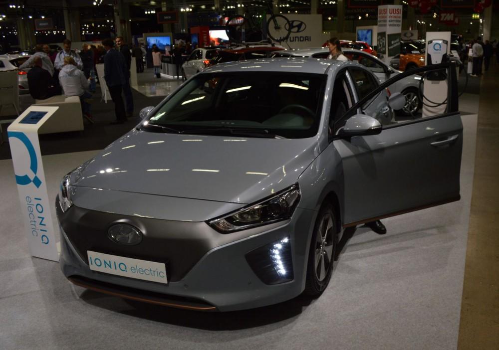 Hyundai Ioniq Electric -täyssähköauto.