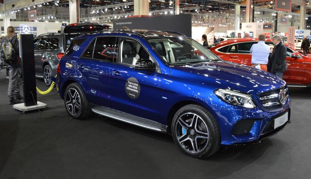 Mercedes-Benz GLE 500 e 4MATIC -lataushybridi auttaa katumaasturifaneja pelastamaan maailman.