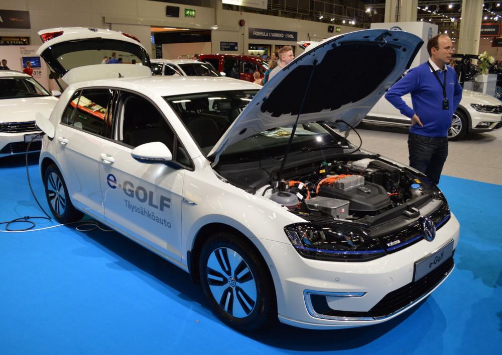 Volkswagen e-Golf todistaa, ettei täyssähköauton tarvitse näyttää erikoiselta.