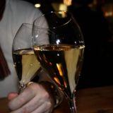 Ilta alkaa samppanjalla