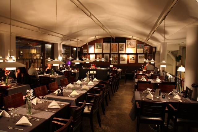 Pippurimyllyn ruokasali on säilynyt vuosien saatossa hyvin pitkälti samanlaisena. Tunnelma on ainutlaatuinen.