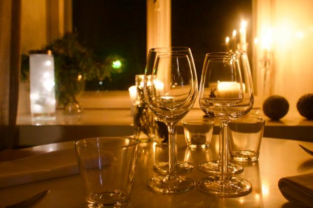 Vinterissä (ja Loopissa) syödään ja juodaan Iittalan ja Arabian astioista.
