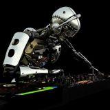Mihin tarvitaan ihmistä, kun robotit tekevät musiikkimme?