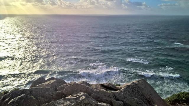 Tyynen mielen sain hiljan Capo da Rocassa, Euroopan läntisimmässä paikassa ikiaiaisia Atlantin aaltoja katsoessani