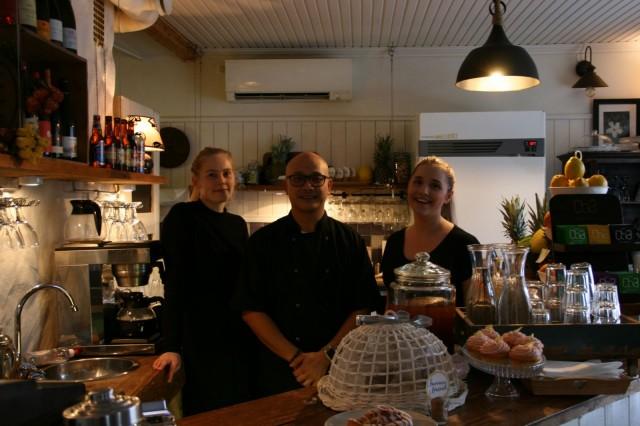 Cafe Pispalassa hymyilyttää niin henkilökuntaa kuin asiakkaitakin.