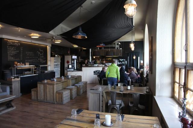 Pub Niskan sisätiloja on laajennettu viime kesästä. Sateisempanakin päivänä kannattaa siis tulla!