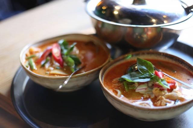 Tamarinin panang currysta löytyy potkua kesäiltaan.