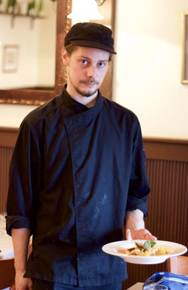Wistub Alsacen kokki Henri Immonen kollegoineen on valmistanut SYÖ!-viikoilla bouillabaissea, jota on kehuttu jo kaupungin parhaaksi.