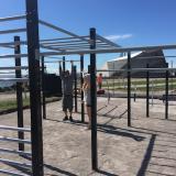 Tätä lisää! – Jasper Pääkkönen ja Mikko Leppänen lahjoittavat street workout -liikuntapisteen Helsingille
