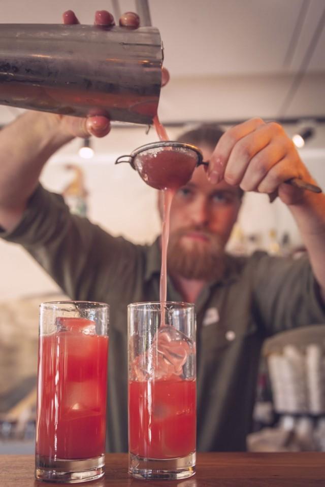 Raikkaat cocktailit sopivat upeasti aperitiiveiksi.