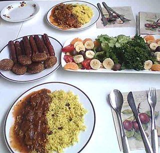 Tämä ruoka ei ole kritisoimistani ravintoloista vaan hyvää irakilaista ruokaa jota ystäväni minulle tarjosi.