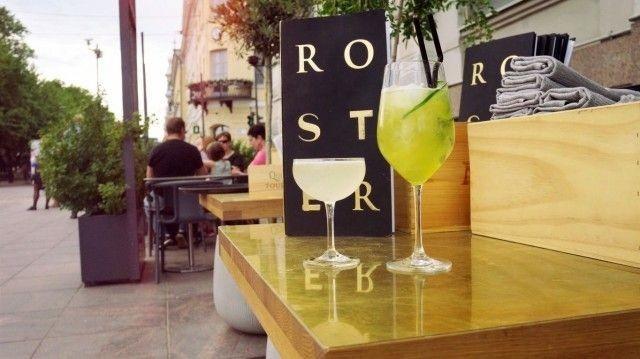 Rosterissa voi tilata palan painikkeeksi vaikka raikkaan cocktailin.