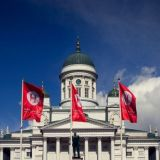Helsingin juhlaviikoilla kuulokkeet päässä