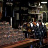 Huurteen hanoista saa todellisia lähituotteita, nimittäin samassa talossa pantuja oluita.