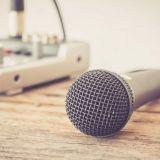Henkilökohtaista ja koukuttavaa – Podcast-kuuntelu kasvaa hitaasti mutta varmasti myös Suomessa