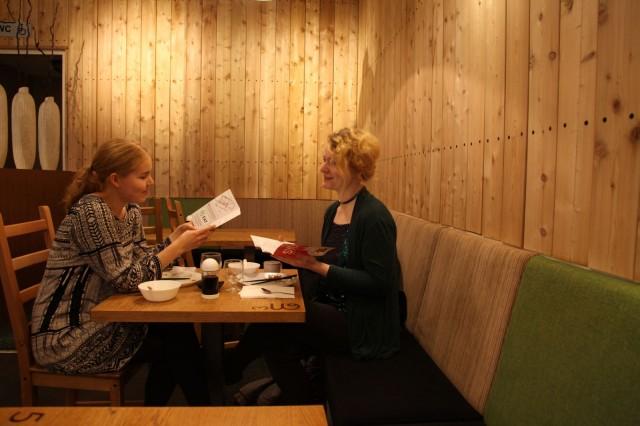 Taija Alfthan ja Ela Arasola valitsivat suosikkinsa SYÖ!-ravintoloiden listoilta.