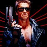Hollywood-näyttelijä, yrittäjä Arnold Schwarzeneggerin tähdittämässä Terminator-elokuvassa keinoälyn väärinkäyttö luo synkän tulevaisuuden. Miten käy markkinatalouden terminaattoreille, eli myyjille?