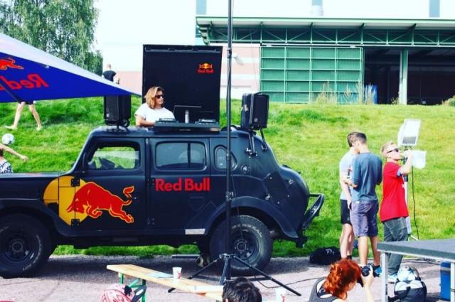 Freestyle-jalkapallokisoissa musiikki soi ja kansa hurraa. Kuva: Jukka Aminoff / Freestyle Football Players