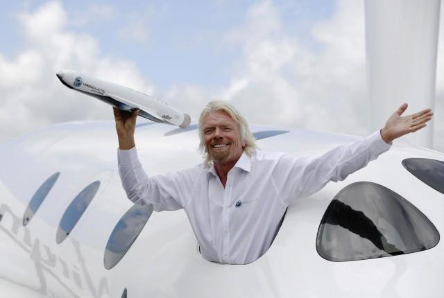 Virginin perustaja, yrittäjä Richard Branson on tunnettu henkilöbrändi, joka osaa pitää hauskaa.