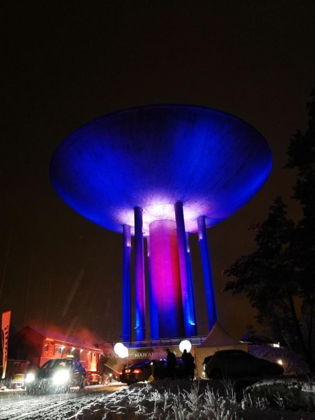 Monin bileissä Haikaranpesä oli lavastettu UFO:ksi. Hissillä mentiin avaruuteen ja ylhäällä oli avaruusolioita.