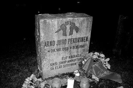 Suomen tunnetuin totaalikieltäytyjä Arndt Pekurinen teloitettiin marraskuussa 1941 kieltäydyttyään toistuvasti aseista.