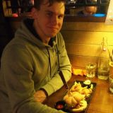 Sami Seppänen valitsi Amarillon SYÖ!-listalta Chicken ceasar burgerin.